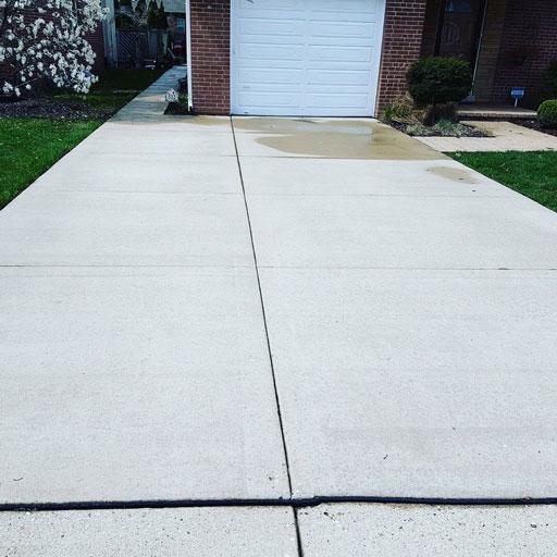 concrete driveway power washing
