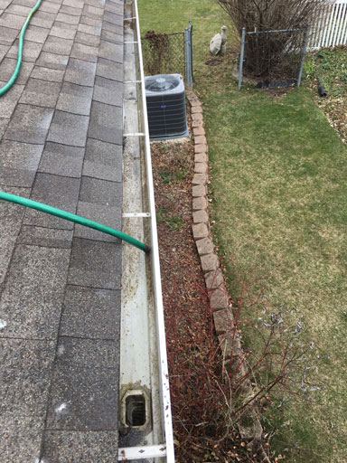 gutter cleaning and flushing
